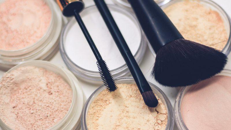 Makeup samt makeupbørster