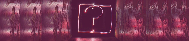 spørgsmålstegn bøjet i neon